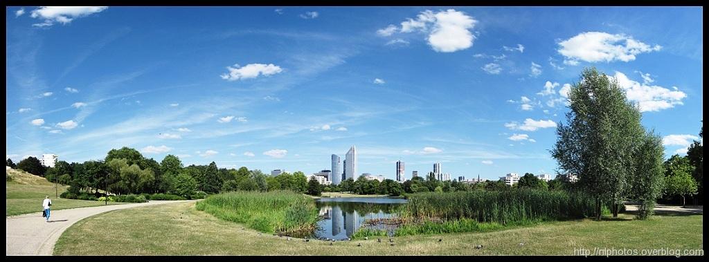 Vue du Parc vers la Défense (Photo Nicolas Lemarchand / http://nlphotos.overblog.com)